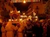 Il Cristo e la Madonna escono dalla Chiesa del Carmine, sono sulla via del ritorno (foto Alessio Carità)